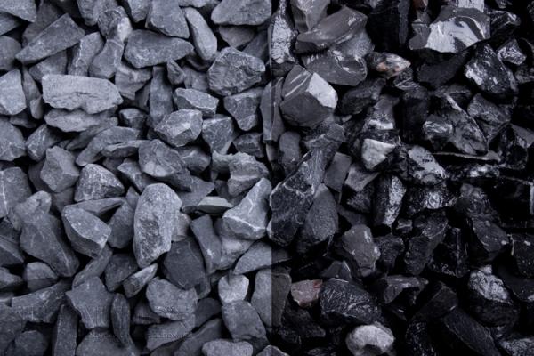 Alpin schwarz Zierkies / Ziersplitt für Wege, Einfahrten, Parkplätze oder Beetanlagen 11-16 mm