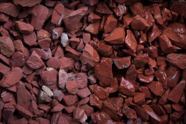 Red Jaspis Redstone Zierkies / Ziersplitt für Wege, Einfahrten, Parkplätze oder Beetanlagen 10-30 mm